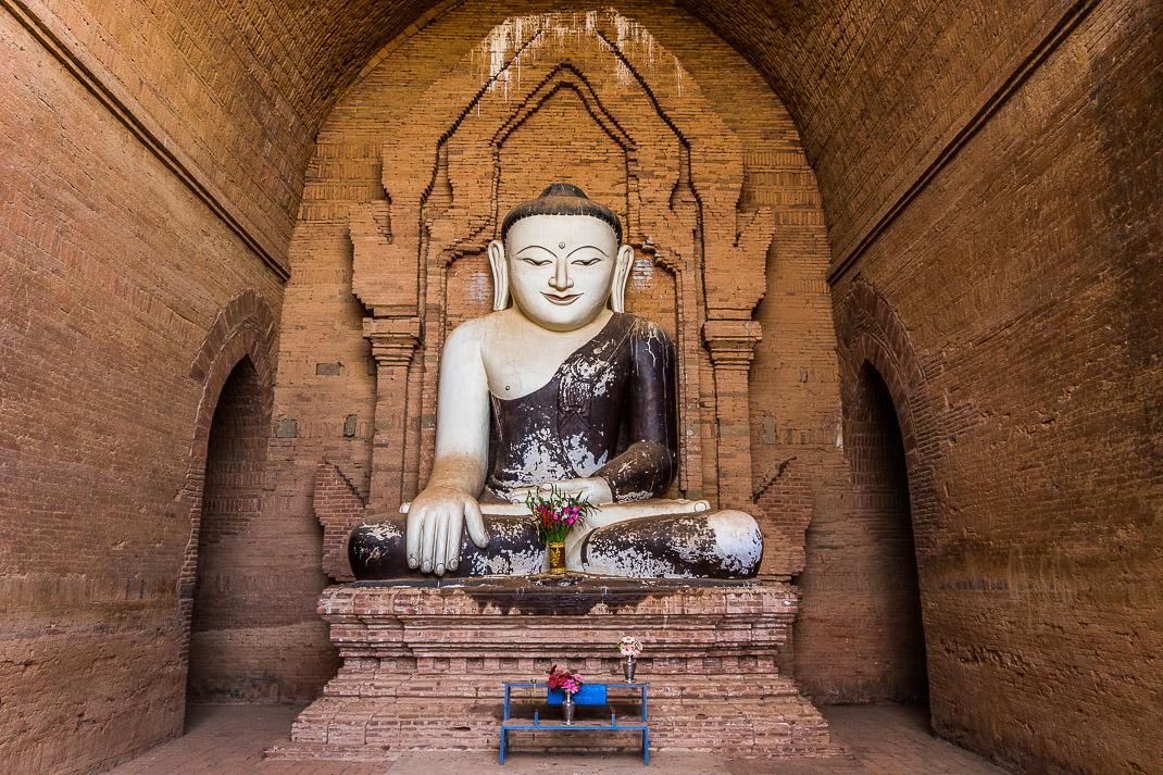 Old Bagan Pyathada Buddha