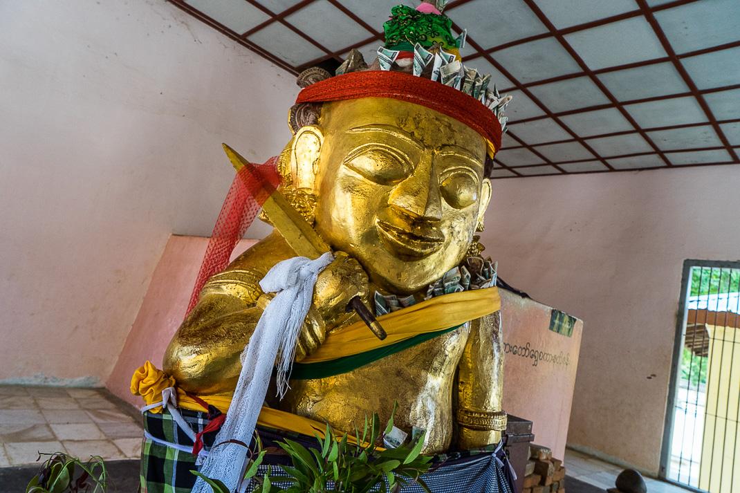 Shwezigon Pagoda Statue Offerings